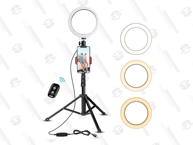 Take Bomb Selfies With This Trendy, $48 Ring Light