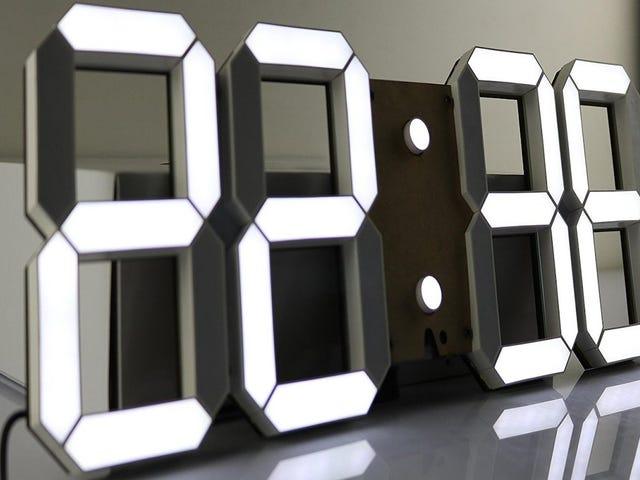 Mettez une horloge de la taille d'un tableau de bord sur votre mur au meilleur prix