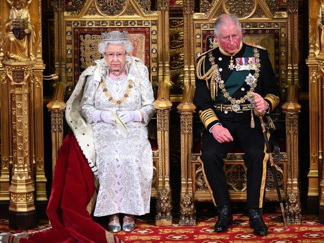 Sarà assolutamente selvaggio se lo scandalo del principe Andrew fa sì che il principe Carlo venga fuori in cima