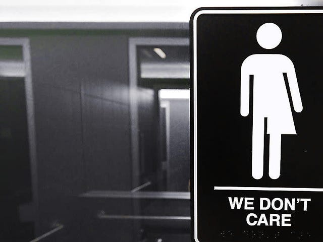 Cleveland Restaurant Sahibi, Cinsiyete Göre Nötr Tuvaletler Üzerine Likör Lisansını Kaybettiğini İddia Etti