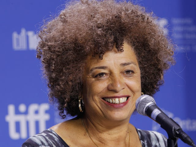 Angela Davis to be Inducted Into the National Women's Hall of Fame