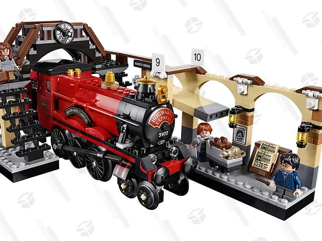 This LEGO Hogwarts Express Set Was Hit By a Price Shrinking Spell