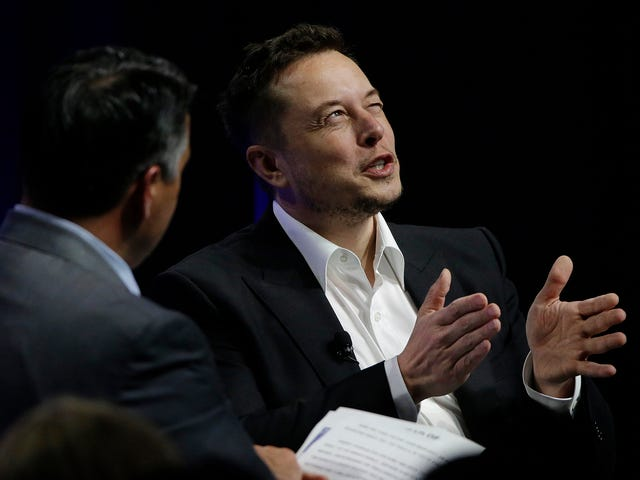 Elon Musk Would Like People to Hurry Up and Start Dying on the Moon Also
