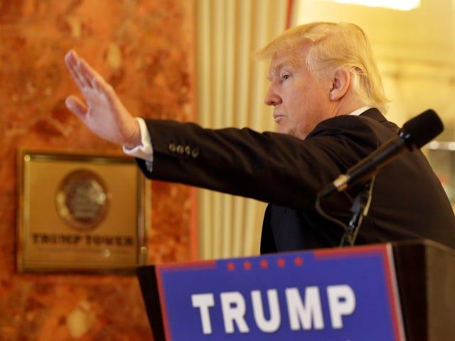 Efter att ha blivit utropad, donerar Trump snabbt veteranernas hjälpmedel som han sa att han redan donerat