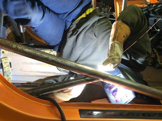 Lamborghini Ralli Aracında Bir Kafes Nasıl Kaynaklanır?