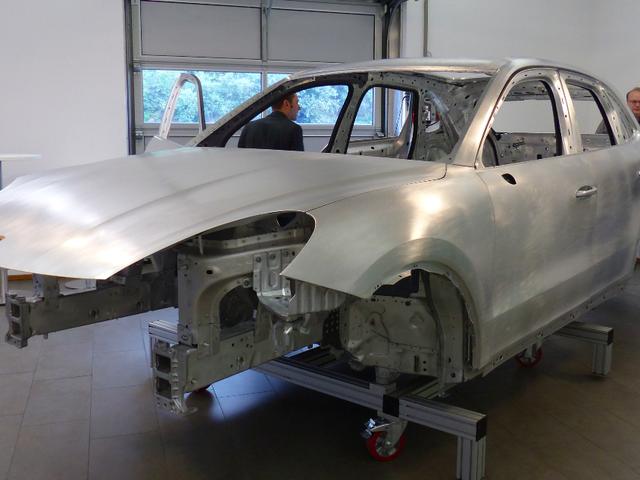 Ang 2019 Porsche Cayenne Nagdagdag ng 110 Pounds Partikular Para sa Pagsubok sa Maliit na Overlap ng IIHS