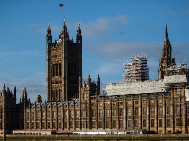 Vương quốc Anh được báo cáo đã bị cản trở một lần nữa trong nhiệm vụ chống lại thanh thiếu niên sừng