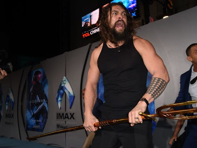 It's going to be hard for red-carpet premieres to top Jason Momoa's Aquaman haka dance
