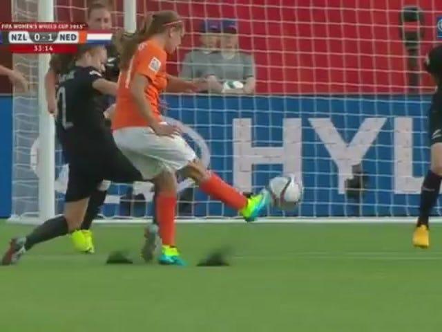 Das erste WM-Tor der Niederlande ist eine Schönheit
