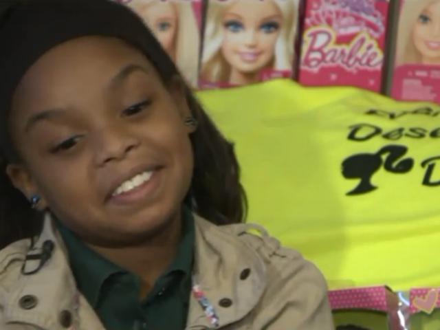 9 år gammel Va. Jente samler dukker for hjemløse jenter i hennes alder