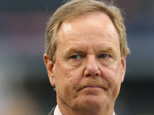 Ex-ESPN Reporter Ed Werder Cries the Whitest Male Tears Over Sports Illustrated Job Posting