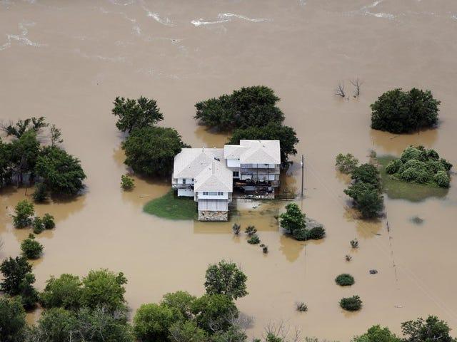Dramatiske bilder Vis noen av de verste oversvømmelsene Texas har sett