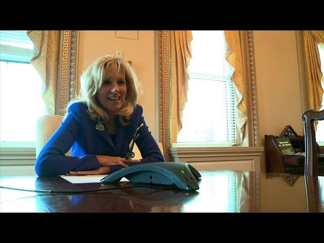 Première dame invitant des gens ordinaires à la rejoindre pour l'état de l'Union