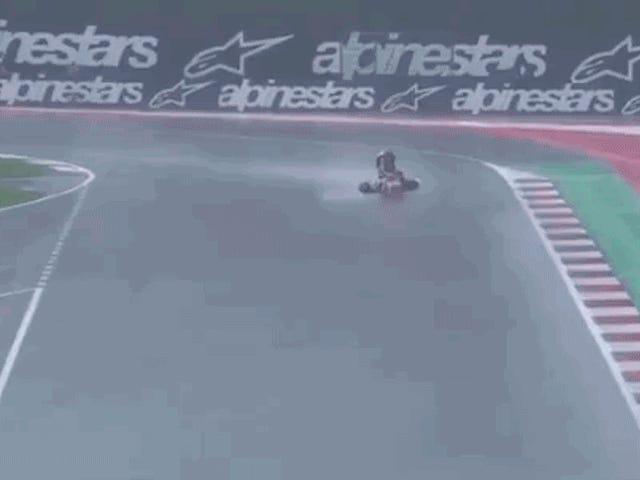 Se en MotoGP Rider Surf A Bike