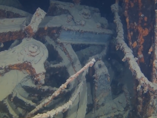A Sunken 106-Year-Old Train At The Bottom Of Lake Superior Is Incredibly Creepy
