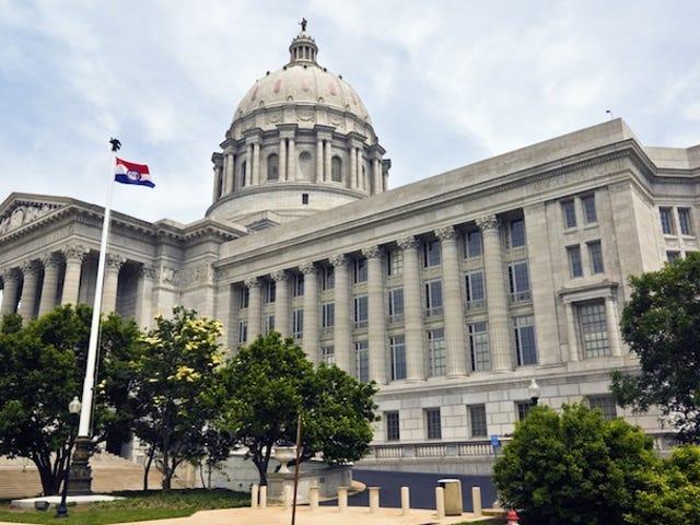 I democratici del Missouri hanno respinto una legge anti-gay discriminatoria per 20 ore