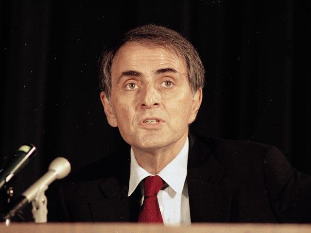 """El día que Carl Sagan demandó a Apple, y Apple quiso nombrar a un Mac """"astrónomo gilipollas"""""""