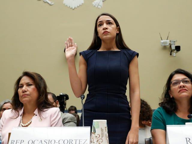 AOC、下院パネルの前の証言で米国南部国境で「製造された」虐待を非難