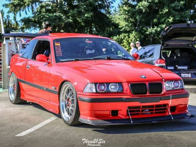 Encontrado en Craigslist: Velour Racecar