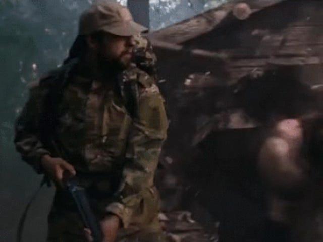 Ελέγξτε το σκληρό αρκουδάκι σε αυτή τη ρωσική ταινία Superhero