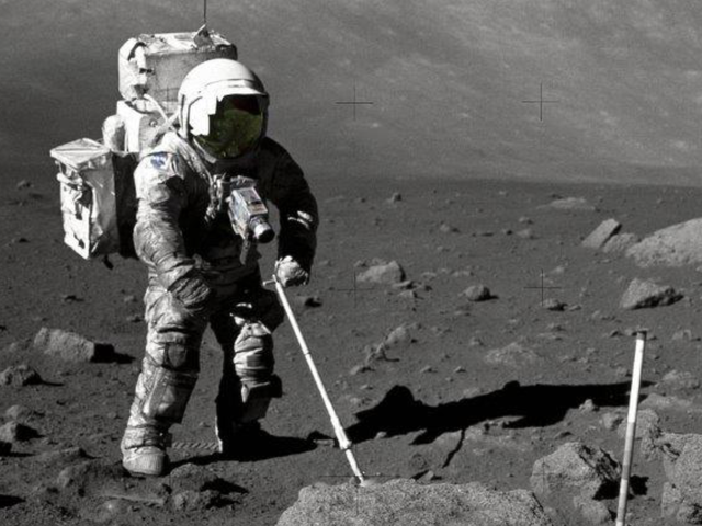 Simulated Moon Dust Kills Cells and Alters DNA, Signaling Trouble for Future Lunar Colonists