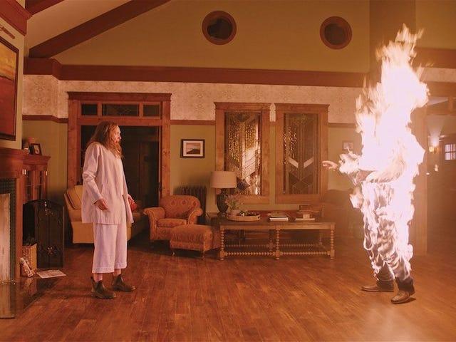 Если вы слишком боитесь смотреть [УДАЛЕНО] в <i>Hereditary</i> , просто обратите внимание на дом
