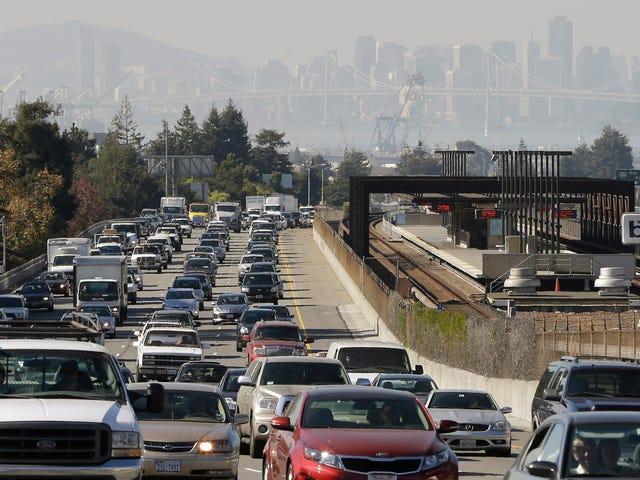 成千上万的城市和县正在与特朗普的燃油效率回落作斗争