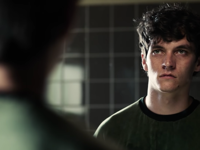 Netflix is out here goosing people into finding weird Bandersnatch endings