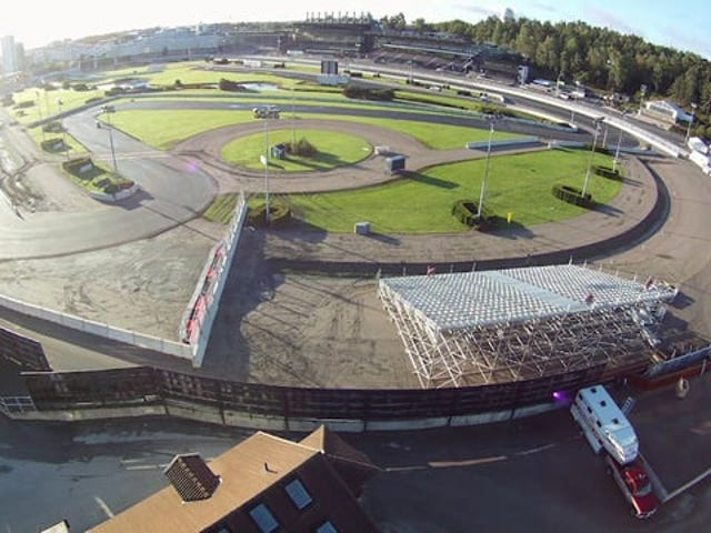 How to build a racing track in 120 hours