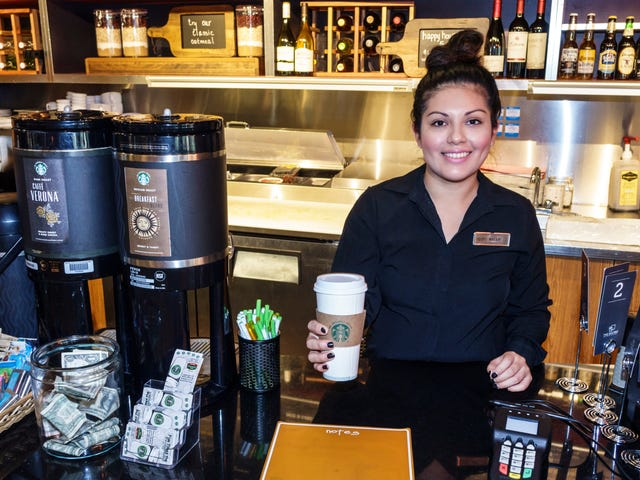"<a href=https://thetakeout.com/starbucks-has-achieved-pay-equity-in-the-u-s-ahead-of-1823989805&xid=17259,15700023,15700186,15700190,15700248 data-id="""" onclick=""window.ga('send', 'event', 'Permalink page click', 'Permalink page click - post header', 'standard');"">Starbucks heeft in de VS lonen in de wacht gesleept, vóór de meeste anderen</a>"