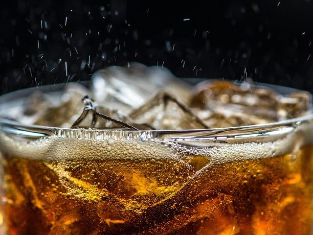 Πώς να διατηρήσετε τη γεύση του πάγου σας ωραία και φρέσκια