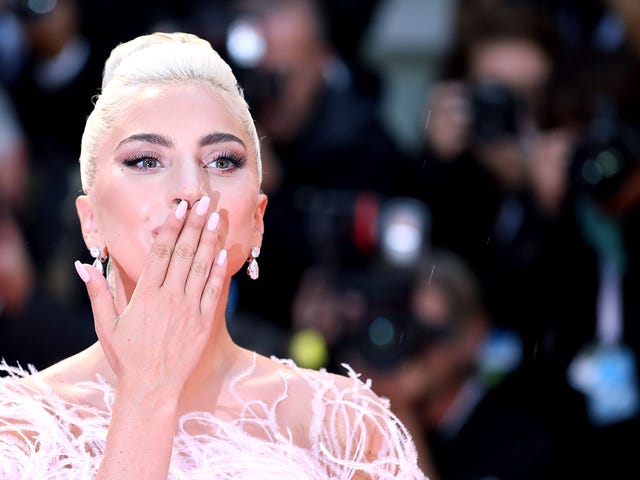 "<a href=""https://news.avclub.com/lightning-strikes-the-premiere-of-lady-gagas-a-star-is-1828752875"" data-id="""" onClick=""window.ga('send', 'event', 'Permalink page click', 'Permalink page click - post header', 'standard');"">Lightning strikes the premiere of Lady Gaga&#39;s <i>A Star is Born</i>—no, seriously</a>"