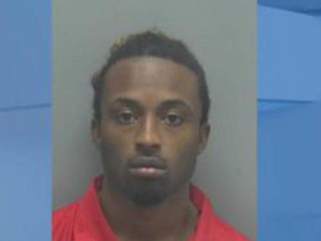 Florida Man Mukha Charges pagkatapos ng pag-iwan ng Kids Sa Car Habang Siya Nagpunta sa isang Strip Club