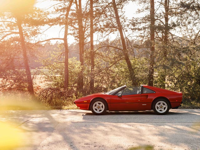 Your Gorgeous Ferrari 308 GTS Wallpapers Are Here