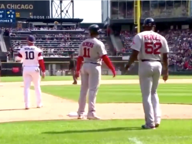 White Sox Make Circus Out Of Red Sox Baserunning Error