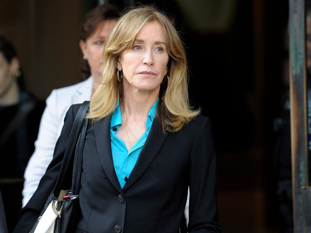 Felicity Huffman's Daughter Who's Not a Part of Varsity Blues Scandal Is Going to College!