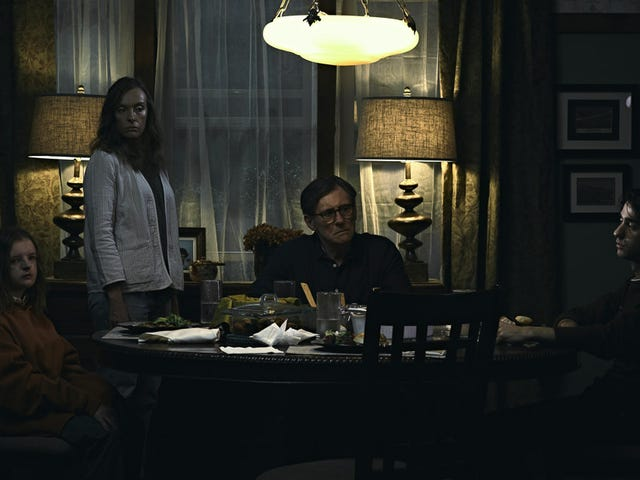 """<a href=https://www.avclub.com/hereditary-is-the-most-traumatically-terrifying-horror-1822352430&xid=17259,15700002,15700021,15700124,15700149,15700168,15700173,15700186,15700191,15700201 data-id="""""""" onclick=""""window.ga('send', 'event', 'Permalink page click', 'Permalink page click - post header', 'standard');""""><i>Hereditary</i> is de meest traumatisch angstaanjagende horrorfilm in tijden</a>"""