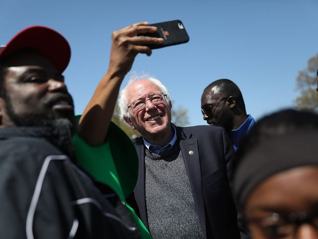 In Event Honoring MLK, Bernie Sanders' Comments on Race and Barack Obama Raise Eyebrows