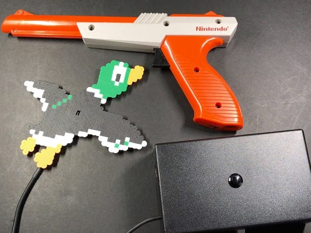 Hack an Old Nintendo Zapper to Control a Lamp