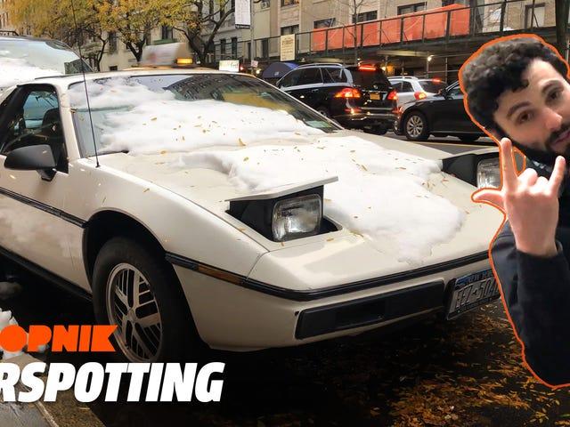 Tämä Pontiac Fiero on todellinen New York City Car