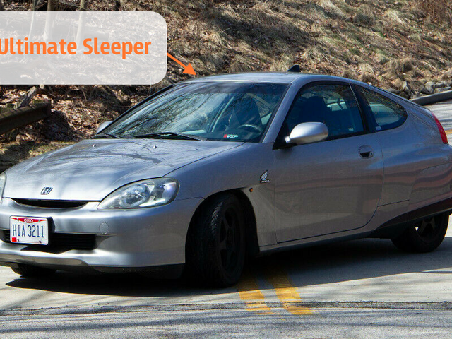 Some Genius Swapped a Honda Civic Si Motor Into a 220,000 Mile Honda Insight Hybrid