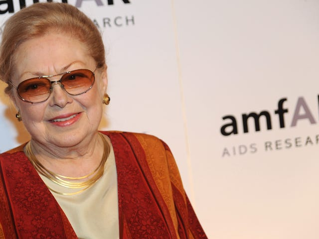 Mathilde Krim, Founding Chairwoman of the Foundation for AIDS Research, Dies at 91