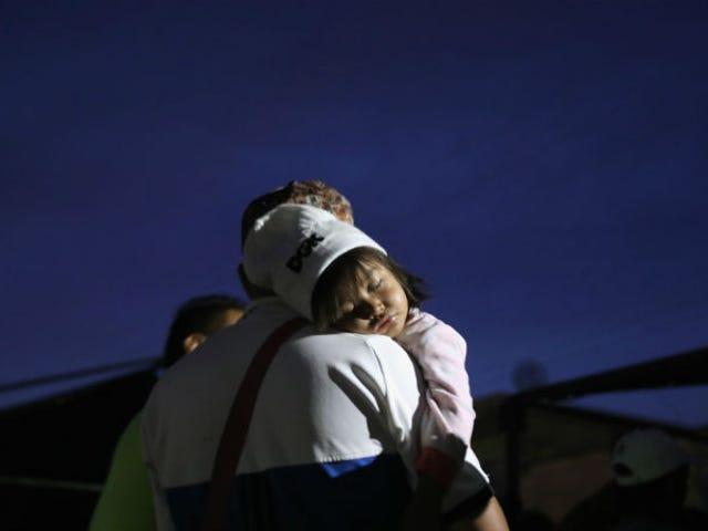 I demati del Senato introducono un disegno di legge che previene la separazione dei bambini migranti dai genitori