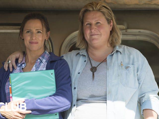 Campingens Jenni Konner og Bridget Everett forbereder seg på slutten av dagene