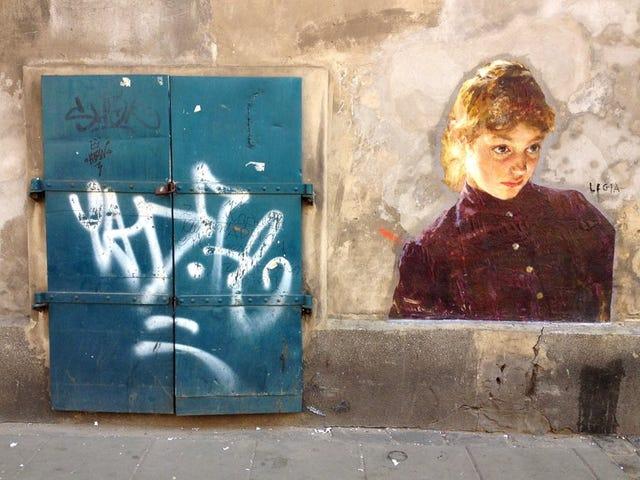 Julien de Casabianca bestämde sig för att befria en anonym figur i en Ingres-målning