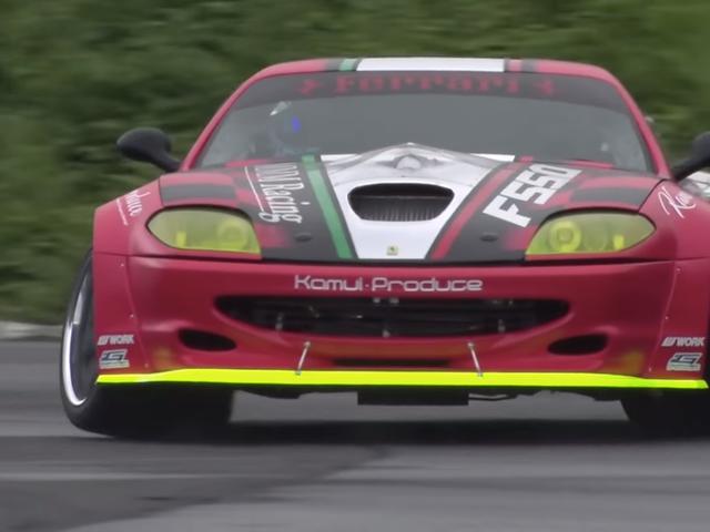 Tämä GT-R-moottorilla vaihdettu Ferrari 550 Drift-auto on puhdas Sacrilege ja minä rakastan sitä