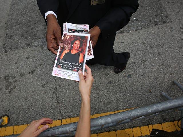 Perpustakaan SC Dinamakan untuk Charleston Gereja-Pembunuhan Mangsa yang Dihilangkan