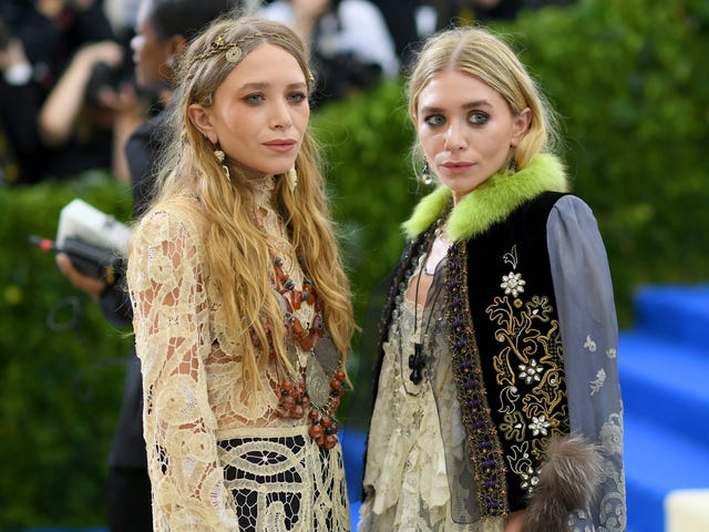 <i>Fuller House</i> Execs Have Freed the Olsen Twins From Having to Ignore Their Invites