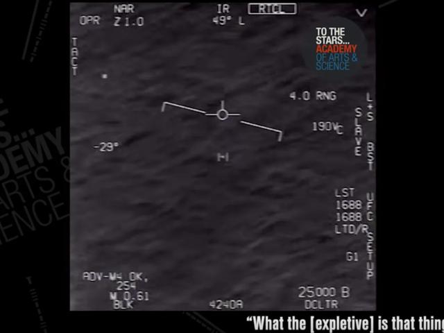 Navy-pilot, der filmet UFO, beskriver det øjeblik, det stoppede med at opføre sig inden for fysikens normale love