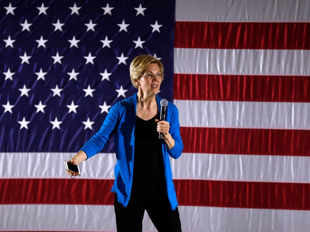 Elizabeth Warren Knows What It Will Take to End the Drug War